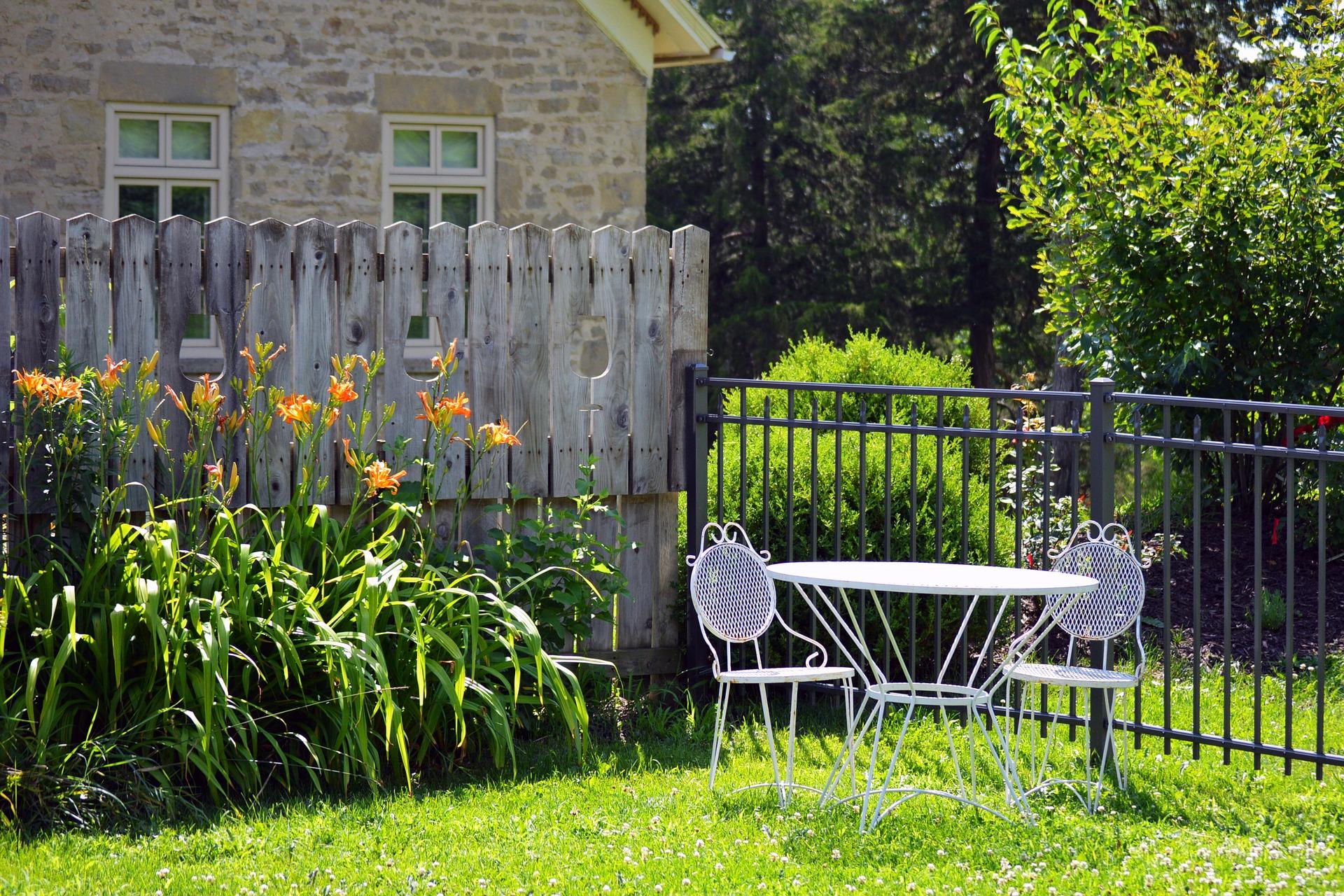 Hoe paalhouders te selecteren voor uw tuin structur?
